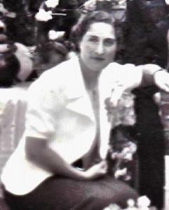 Duifje Sack recte Ram-van Leeuwen (1912-1943): haar meisjesnaam was zeer algemeen, de naam van haar man bepaald niet (privécollectie, Digitaal Monument Joodse Gemeenschap in Nederland)