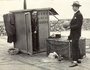 De bekende sportverslaggever Han Hollander (rechts) heette officieel Hartog Hollander