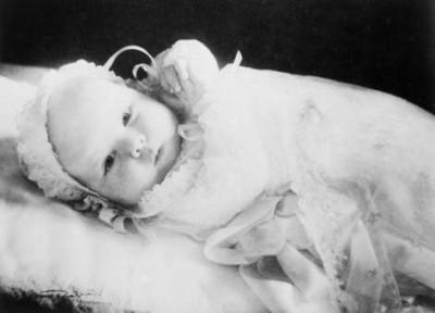 Prinses Beatrix in 1938 (foto: RVD)