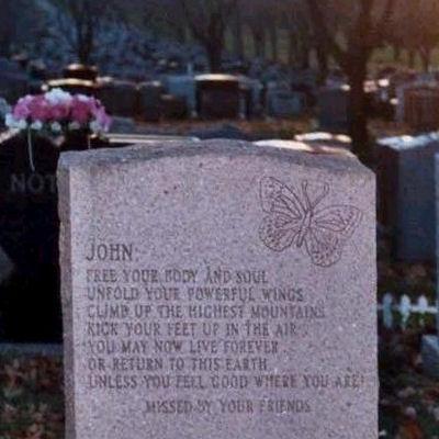 Acrostichon op het graf van John Laird McCaffrey (1940-1995) op de begraafplaats Notre-Dame-des-Neiges in Montréal