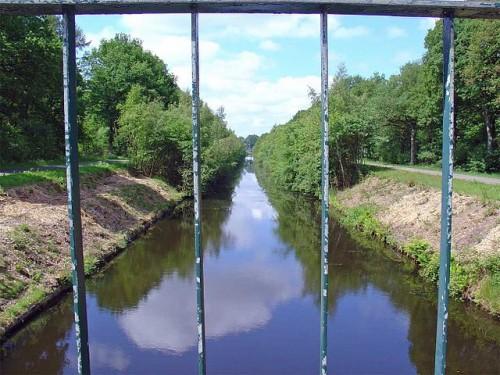 Het Oranjekanaal bij Schoonoord (foto Gouwenaar)