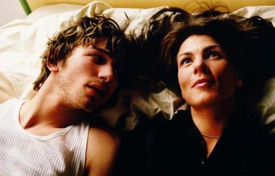 Michiel Huisman en Kim van Kooten als Max en Phileine in de verfilming van Phileine zegt sorry.