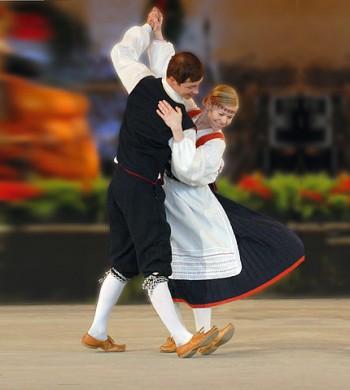 Finse dansers (foto: Rimppawiki / CC BY-SA 3.0)