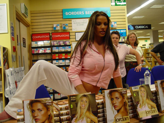 Katie Price (foto: Phil Guest / CC-BY-SA-2.0)